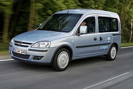 Opel_Combo_CNG_2010_1