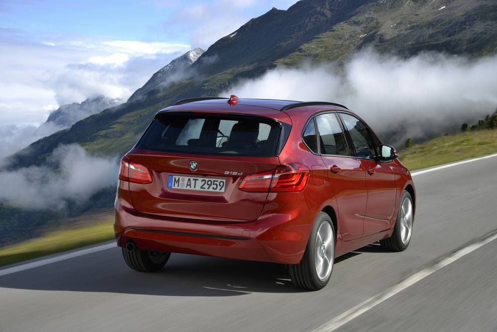 BMW 2er Active Tourer 2014 – rot, Heck